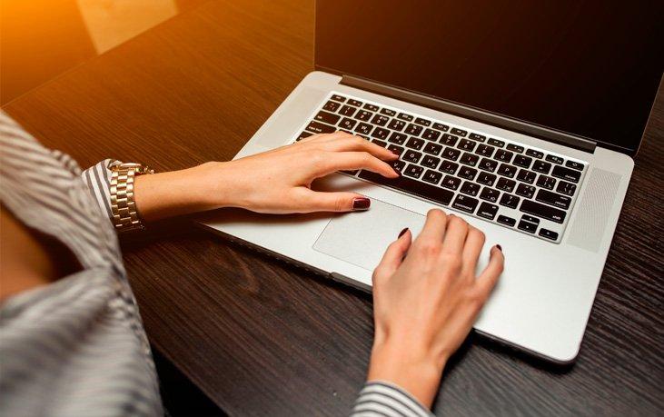 Los-perfiles-falsos-de-mujeres-en-Facebook-usados-para-extorsionar