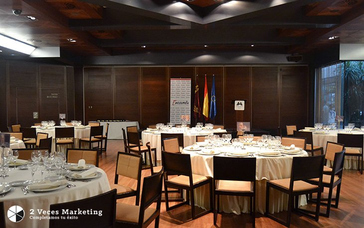 La-Agencia-2-Veces-Marketing-premiada-con-la-'Estrella-de-Oro'-al-Mérito-Empresarial-por-IEP_2.